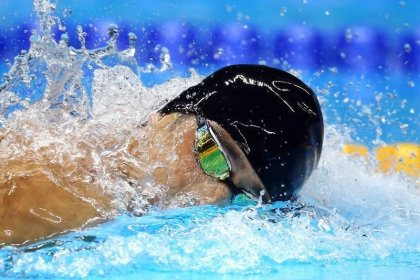 Phelps' swimcap mishap underlines Games sponsorship war