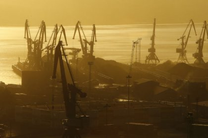 Путин переводит российские порты на рубли с нового года