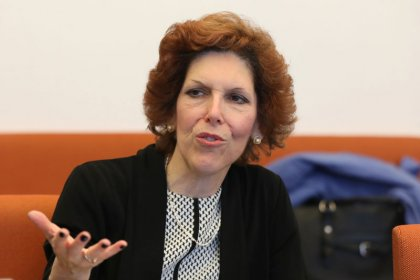 Fed, split by inflation, should forge on with rate hikes: Mester
