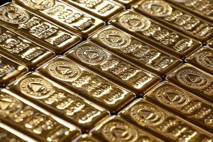 الذهب يرتفع بفعل هبوط الدولار ..والبلاديوم عند ذروته في 16 عاما