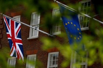 Britain 'confident' of new phase in Brexit talks by October
