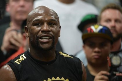 Mayweather on putting legacy on the line: 'It's worth it'