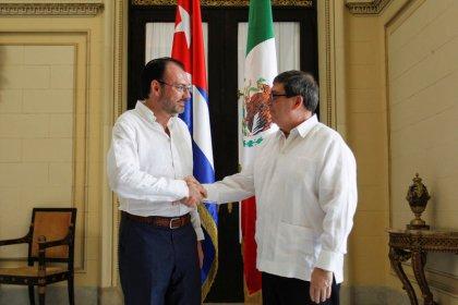 Exclusive: Mexico's top diplomat visits Cuba to seek help on Venezuela crisis