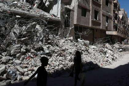 El Ejército sirio ataca zonas rebeldes cerca de Damasco después de una tregua mediada por Rusia