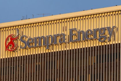 Sempra snatches Oncor from Buffett with $9.45 billion bid: sources