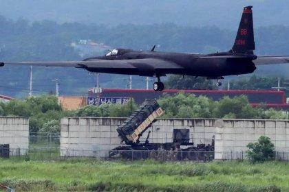 CORREÇÃO-Coreia do Norte critica exercício militar conjunto simulado por computador de EUA e Coreia do Sul