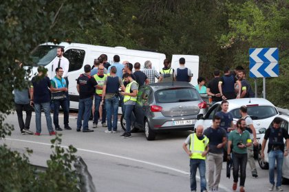 Polícia da Espanha mata a tiros autor de ataque em Barcelona
