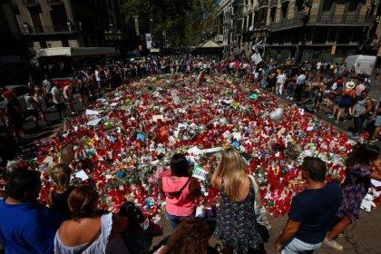 Nach Anschlag in Barcelona Haftbefehl gegen zwei Verdächtige