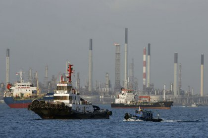 Asian refiners ramp up output to fill supply gaps left by Harvey