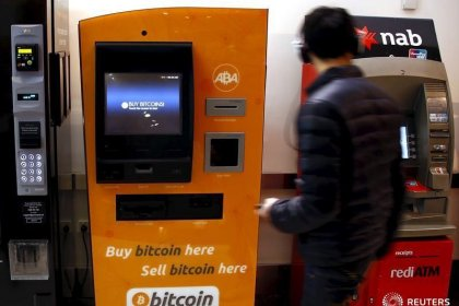Bitcoin slides on 'fraud' warning from JPMorgan's Dimon