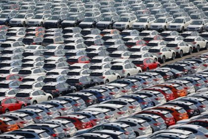 Japan manufacturers' mood sags amid global uncertainty - Reuters Tankan
