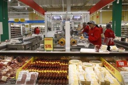 Недельная инфляция в РФ держится на нулевом уровне вторую неделю--Росстат