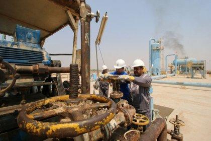 أسعار النفط مستقرة مع مناقشة وزراء أوبك اتفاق خفض الإنتاج