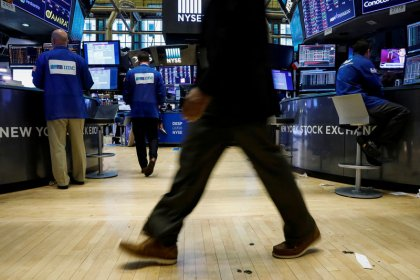 Wall St. flat as losses in healthcare offset gains in energy