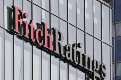"""Fitch подтвердило инвестиционный рейтинг России """"ВВВ-"""", пересмотрело прогноз на """"позитивный"""""""