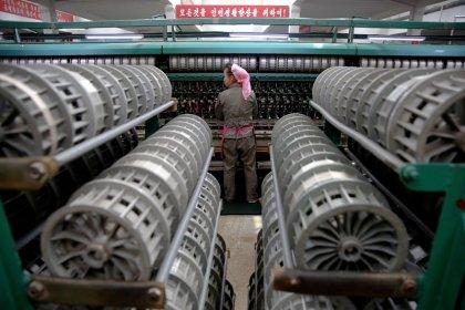 China limita el suministro de petróleo a Corea del Norte