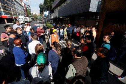 زلزال جديد يثير الرعب في المكسيك ويدفع السكان للشوارع