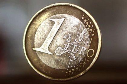 Евро опустился до месячного минимума ниже $1,18, в фокусе - реформы Макрона