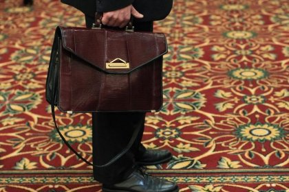 U.S. weekly jobless claims rebound from near 45-year lows