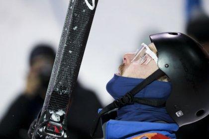 Competidor de esqui aéreo Lillis usa roupa de irmão falecido durante prova