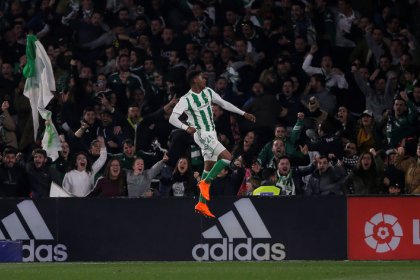 Real stage comeback to win eight-goal thriller at Betis