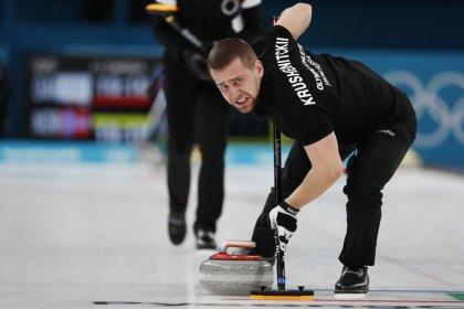 Equipe russa demonstra incredulidade com escândalo de doping no curling na Olimpíada de Inverno