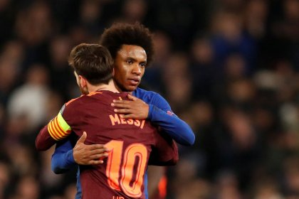 Messi empata para o Barcelona após Willian marcar pelo Chelsea