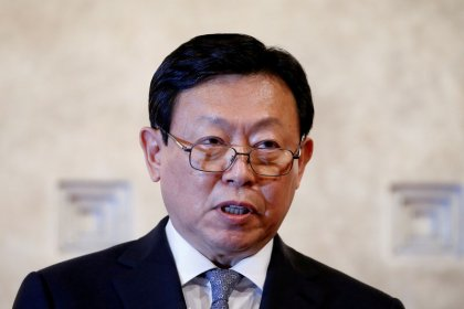 Lotte Group chairman gives up management rights at key Japan holding company