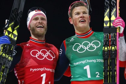 Cross-country skiing - Klaebo cruises to relay gold for Norway