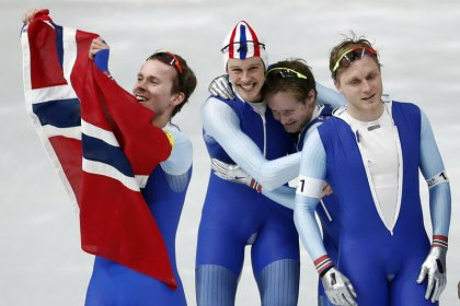 Speed skating - Norway glide to gold in men's team pursuit