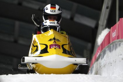 Bobsleigh - Jamanka steers Germany to gold