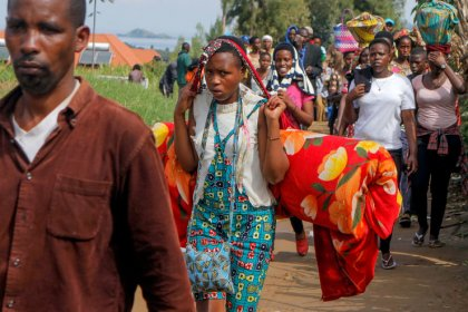 Congolese refugees camp at U.N. refugee office in Rwanda, protest food cuts