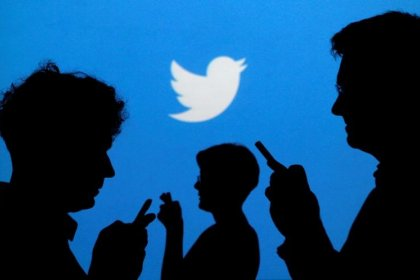 Twitter bars tactics used by 'bots' to spread false stories