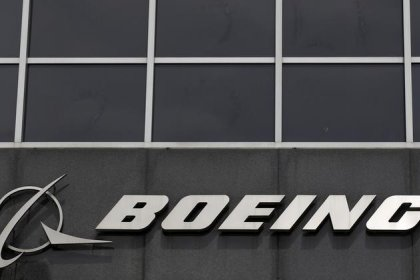Boeing applies to stay in race to supply Canada with fighter jets