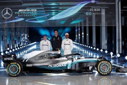 Hamilton prevê aquecimento de rivalidade com Vettel