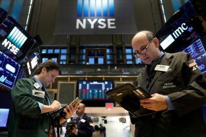 Wall Street monte avec le repli des rendements obligataires