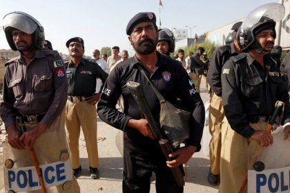 Pakistan could evict, rather than kill, militants - U.S. official