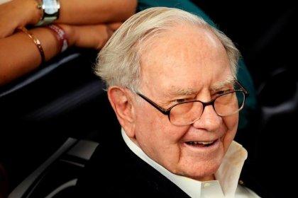 Trump tax cut fuels record profit for Buffett's Berkshire