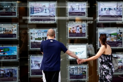 UK house prices rise at slowest pace in nearly five years - Halifax