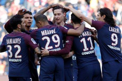 PSG amplia liderança ao derrotar Angers apesar de expulsão de Thiago Motta
