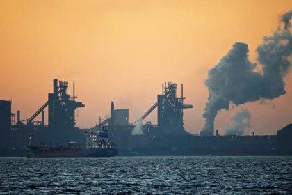 Рост предложения будет опережать рост спроса на нефть в 2018 году -- МЭА