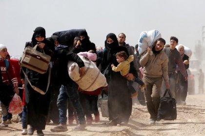 Menschen fliehen in Massen aus Ost-Ghuta und Afrin