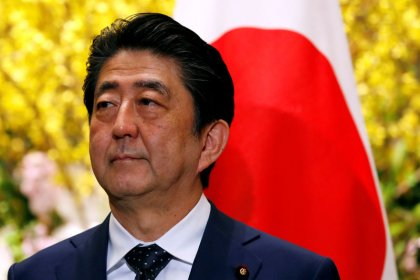 Aprovação de premiê do Japão cai para 39% por suspeita de irregularidade