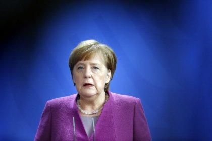 Merkel diz que foco da UE após ataque com agente nervoso não é boicote à Copa na Rússia