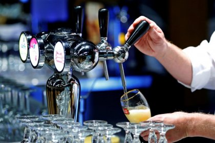 Beer sales growth still seen elusive in Russia as World Cup looms