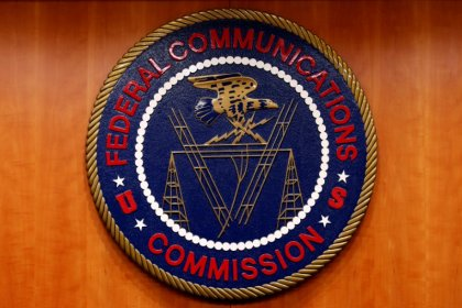 FCC investigating website flaw that exposed mobile phone locations