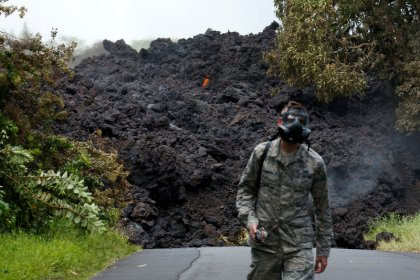 Hawaii faces new threat from volcano - gassy, glassy laze