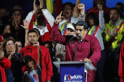 Reeleito, Maduro enfrenta crítica internacional e sanções dos EUA