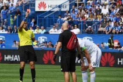Soccer: Ibrahimovic sent off for head slap as Galaxy beat Impact