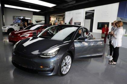 Consumer Reports deve testar novamente o Tesla Model 3 após correção do freio